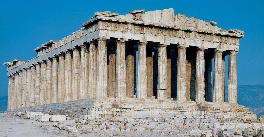 Các điêu khắc trang trí cảu ngôi Đền Parthenon đều làm từ đá MArble trắng
