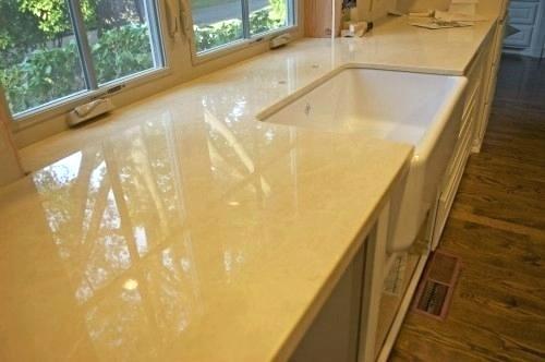 Mặt đá bếp Marble cần vệ sinh đúng cách để giữ gìn vẻ đẹp cũng như tuổi thọ đá