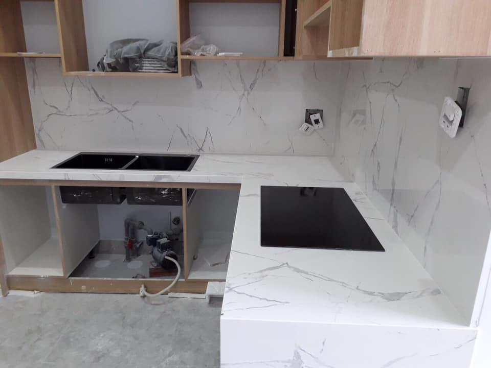 Mặt đá bếp Trắng 3D nhân tạo