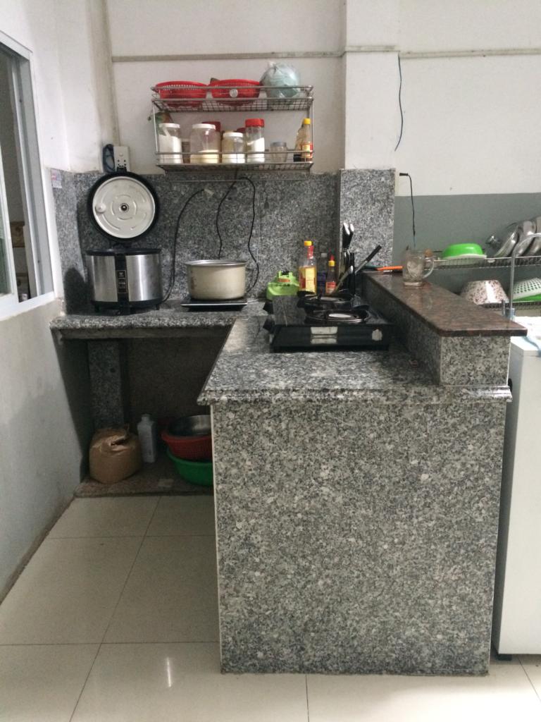 Mặt đá bếp trắng Suối Lau