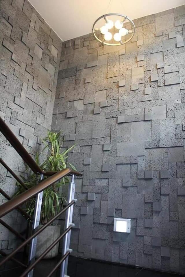 Sử dụng đá ong xám ốp mảng tường lớn có thể chống rêu mốc, cách âm, cách nhiệt tốt